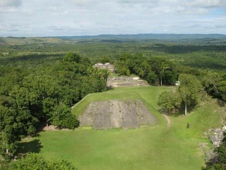 """CNN's """"5 don't-miss spots in Belize"""""""